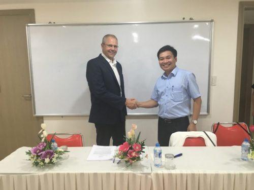 Thỏa thuận hợp tác giữa DEVI và tập đoàn điều dưỡng Azurit Hansa CHLB Đức