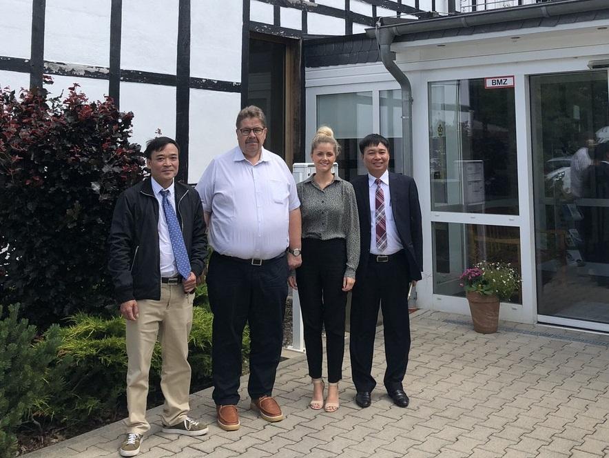 Lãnh đạo DEVI thăm và làm việc với tập đoàn Azurit Hansa